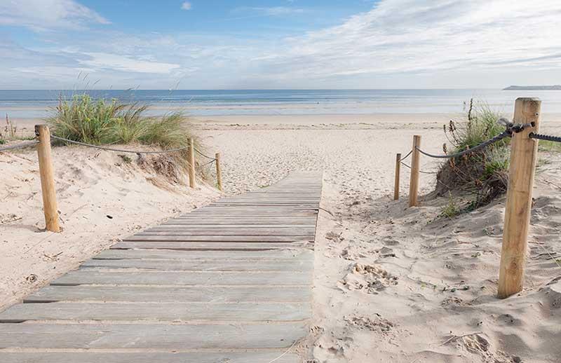 landschappen fotobehang strandopgang the beach. Black Bedroom Furniture Sets. Home Design Ideas